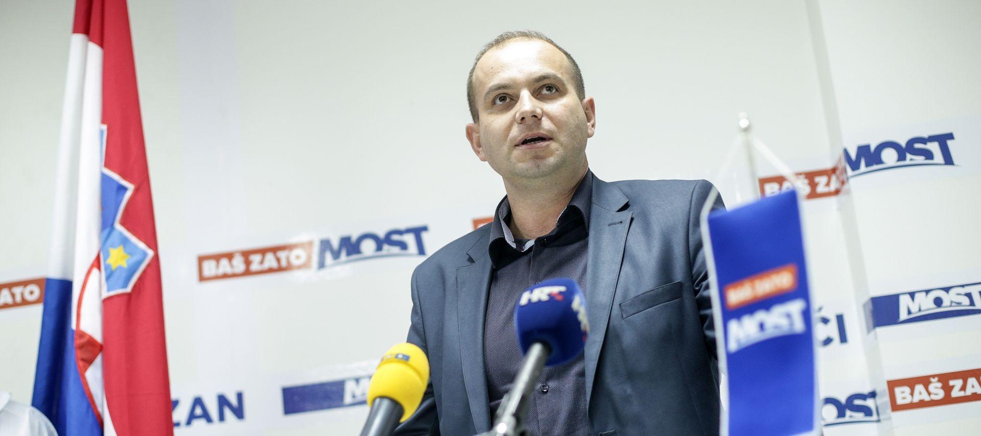 MIROSLAV ŠIMIĆ 'Most nije razgovarao o odlasku Petrova iz Vlade ako ode Karamarko'