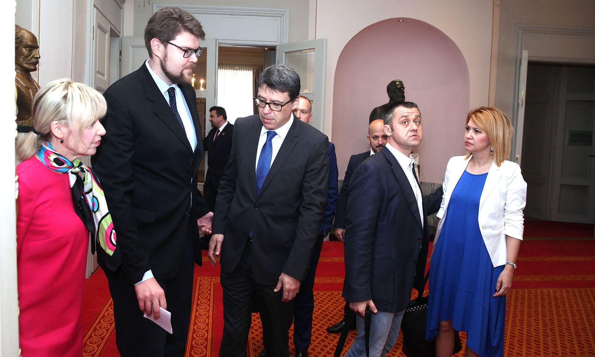 """GRBIN IZBAČEN IZ SABORNICE Dragovan: """"To pokazuje jednu izuzetnu nervozu u HDZ-u i vladajućoj koaliciji"""""""