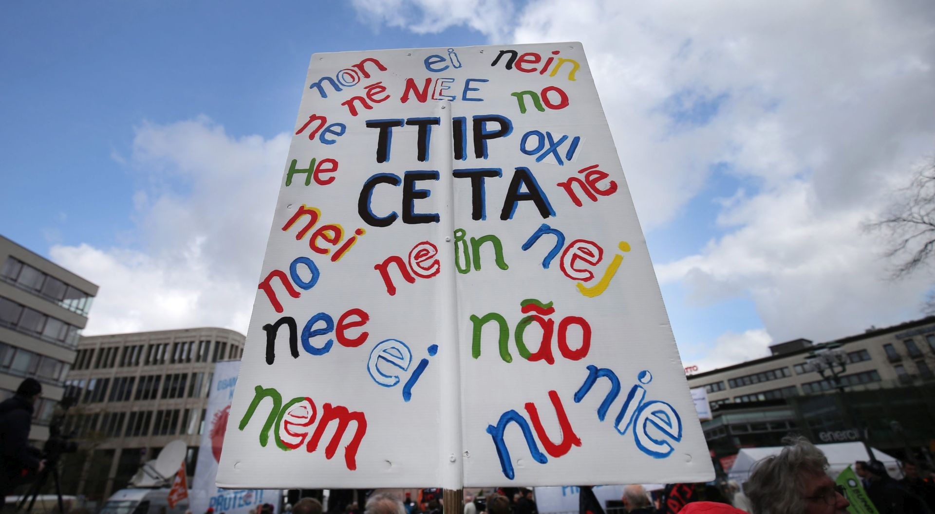 TRANSPARENTNI PREGOVORI: Slovenska vlada za oprez u pregovorima EU-a s SAD-om o TTIP-u