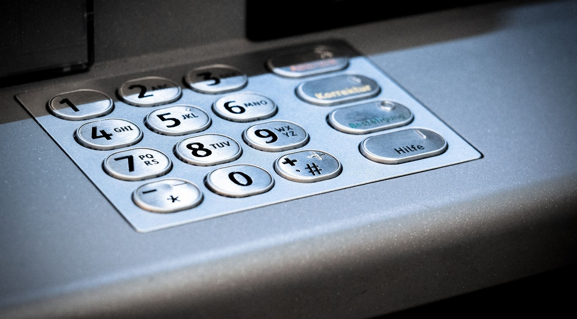 ZAGREB Noćas opljačkana dva bankomata