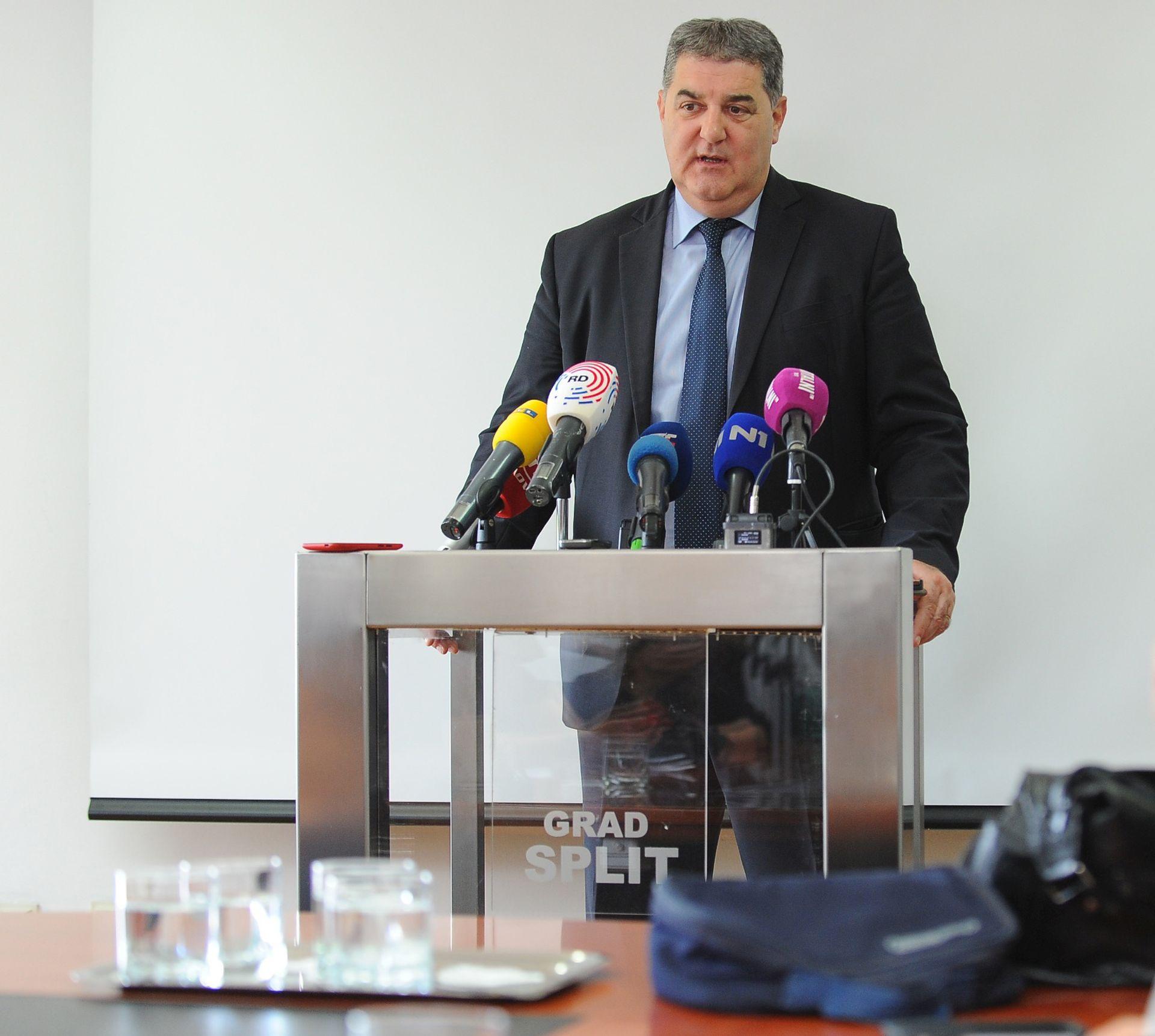 Baldasar se neće vratiti u SDP, ostaje gradonačelnik; Komadina se nada da će Glavni odbor odbiti prijedlog