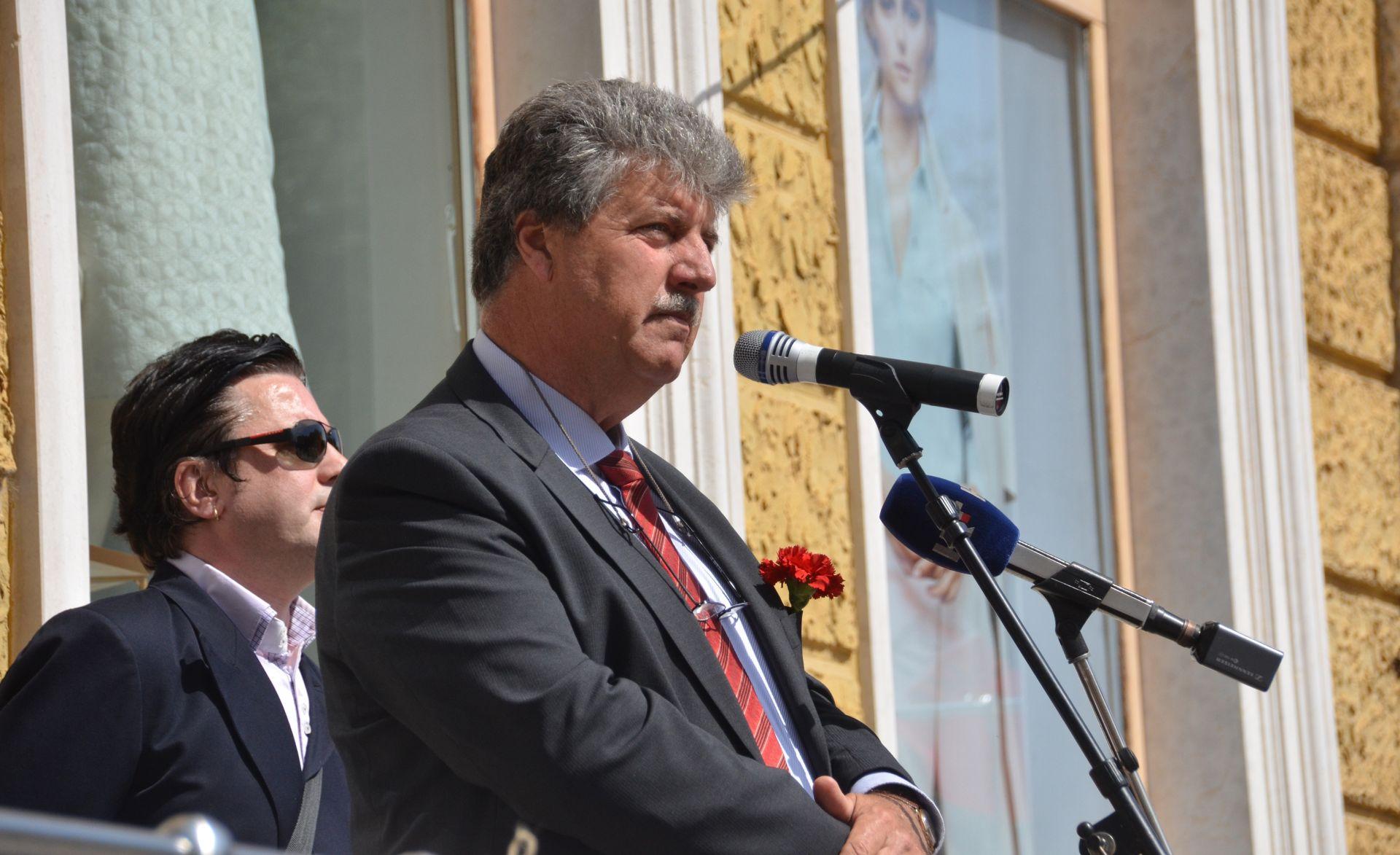 Bulić: Zbog nedostatka sezonaca zabraniti sve zahvate u prostoru vezane za turizam