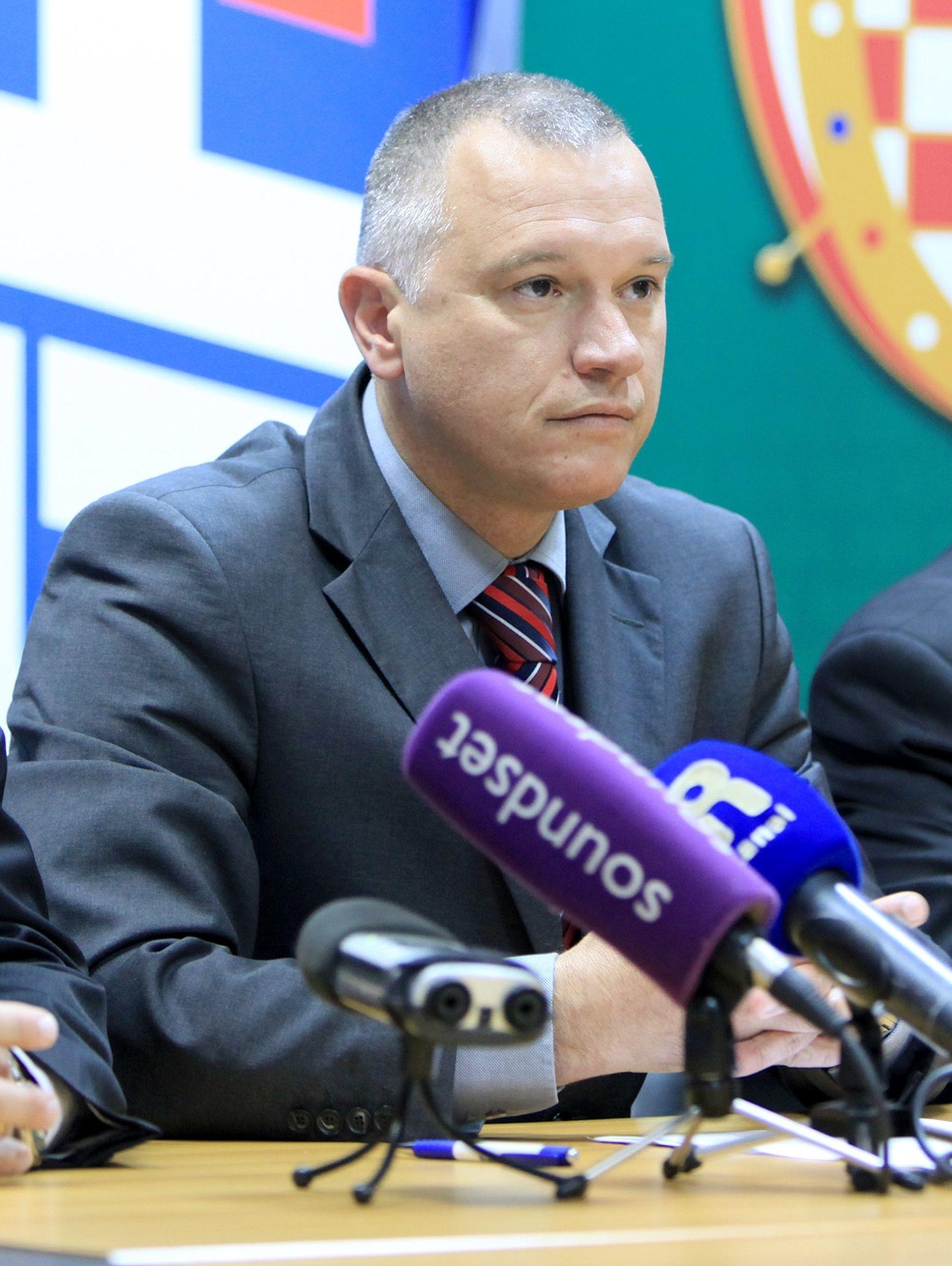 Hrvoje Burić upozorava na netransparentnost u poslovanju riječkog HNK