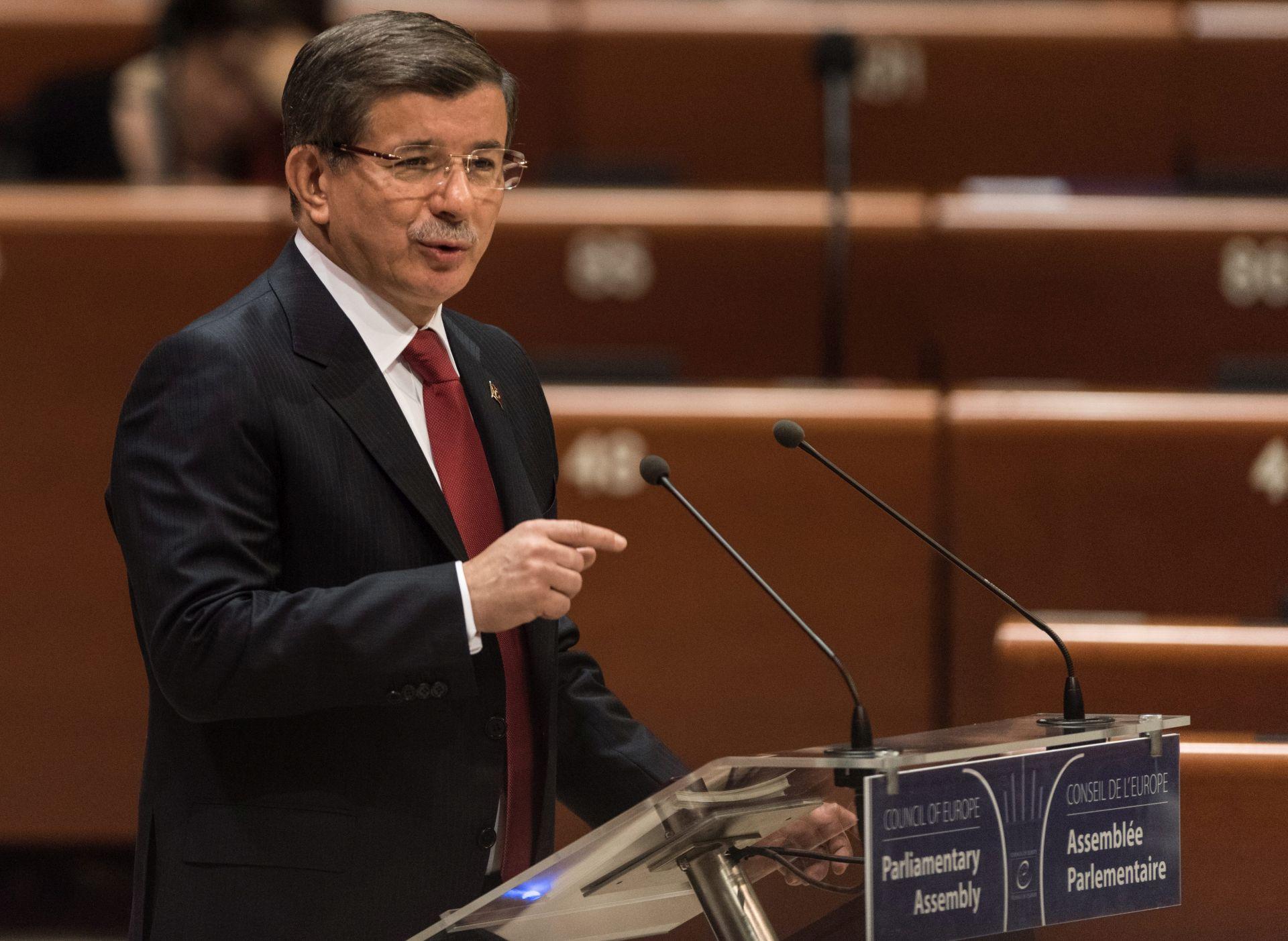 EU: Ne zna se hoće li Davutogluov odlazak imati utjecaja na sporazum EU-Turska