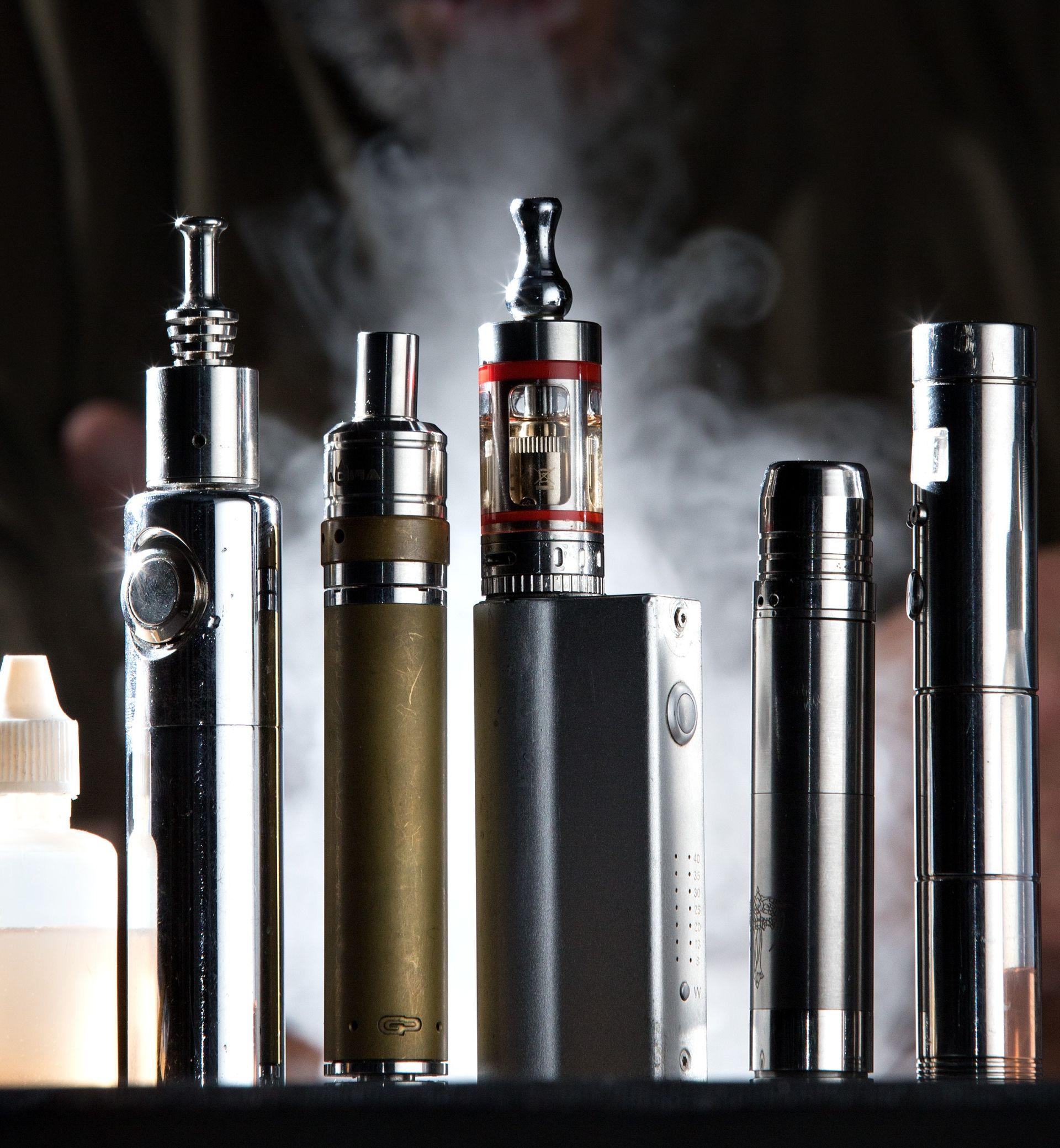 NOVA PRAVILA: Američka FDA zabranila prodaju e-cigareta mlađima od 18