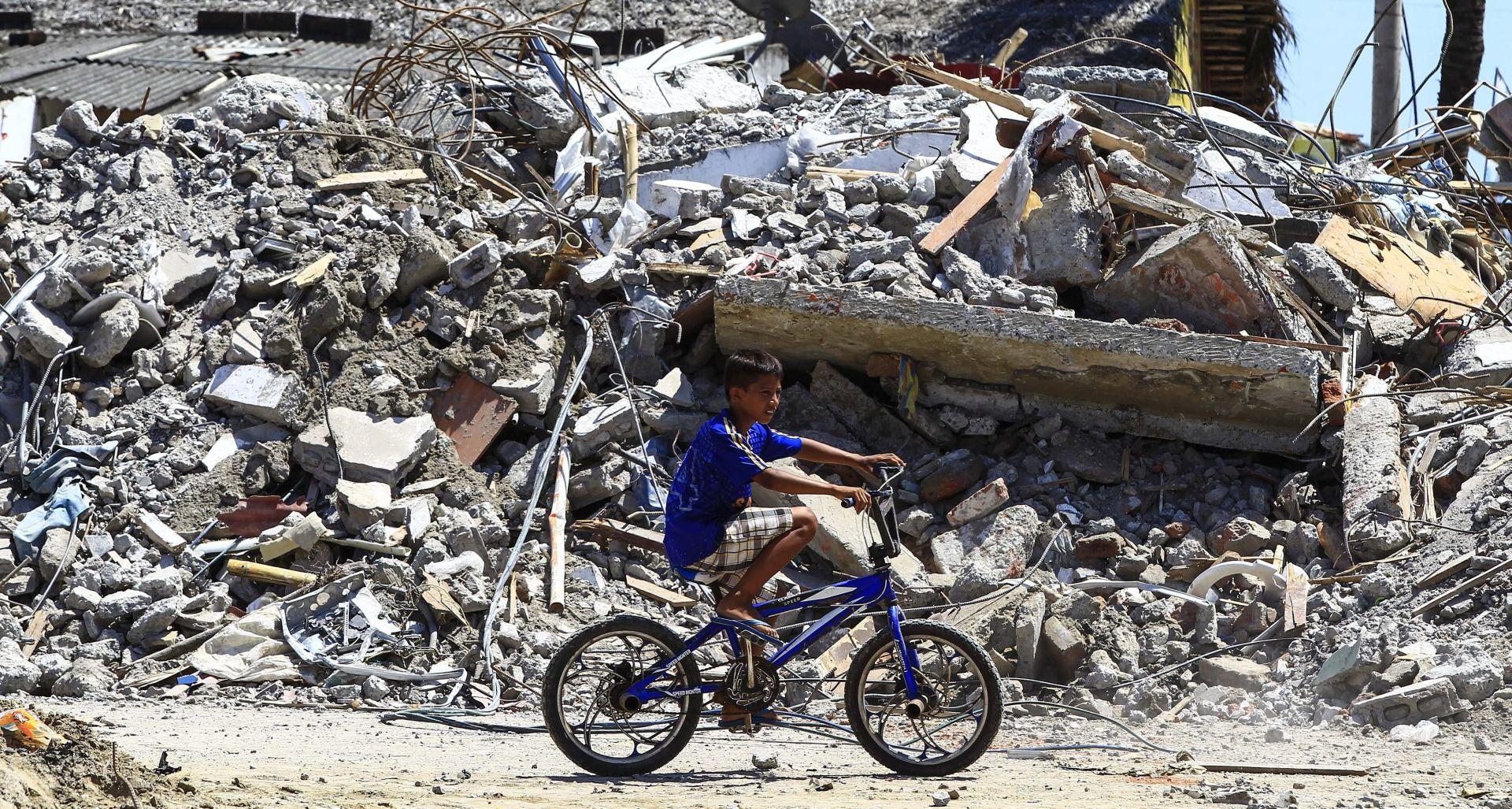 NEMA OPASNOSTI OD TSUNAMIJA: Potres magnitude 6,7 pogodio zapad Ekvadora