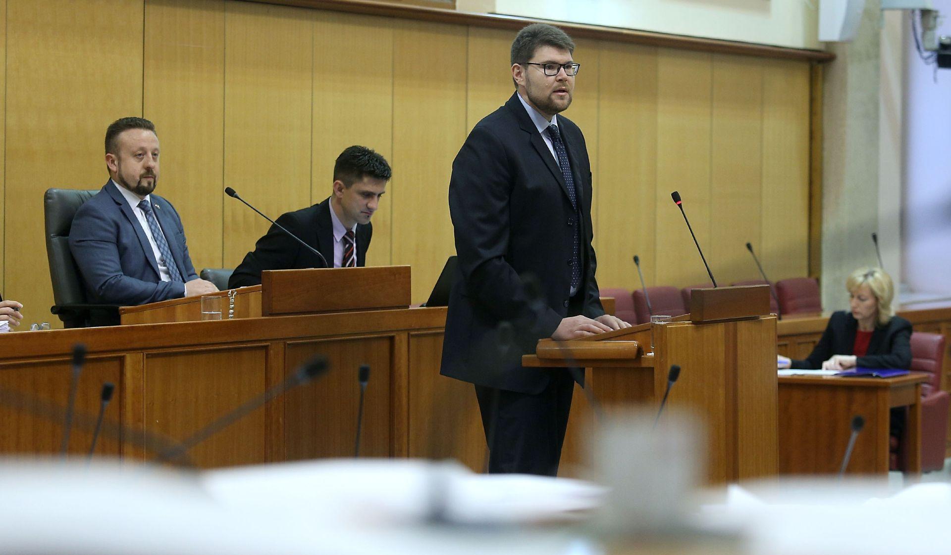 BURNO U SABORU Peđa Grbin: 'Jasno tražimo da Tomislav Karamarko podnese ostavku'