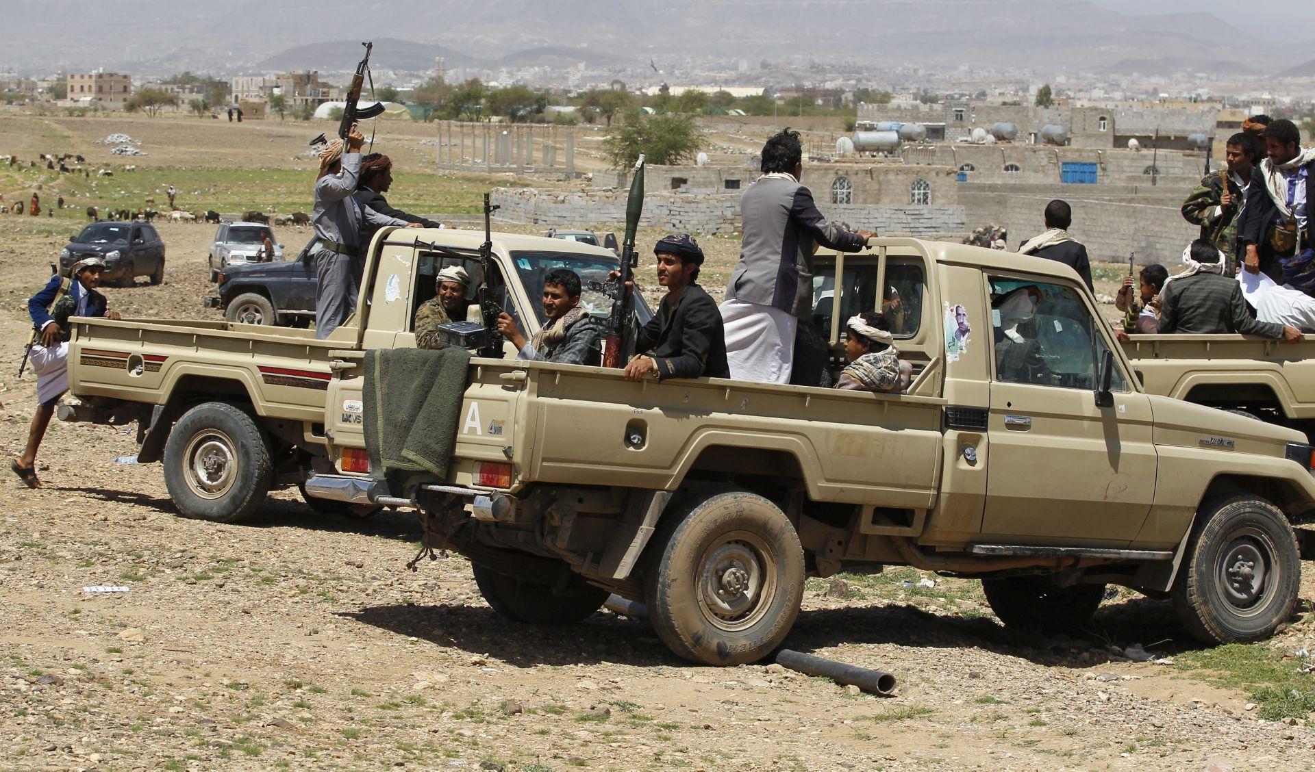NAPADI ISLAMSKE DRŽAVE: Poginuo najmanje 41 jemenski vojnik u dvama napadima