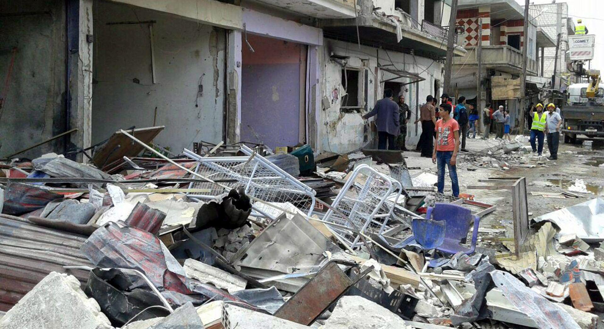 ZRAČNI UDARI: U logoru za raseljene osobe u Siriji najmanje 28 mrtvih