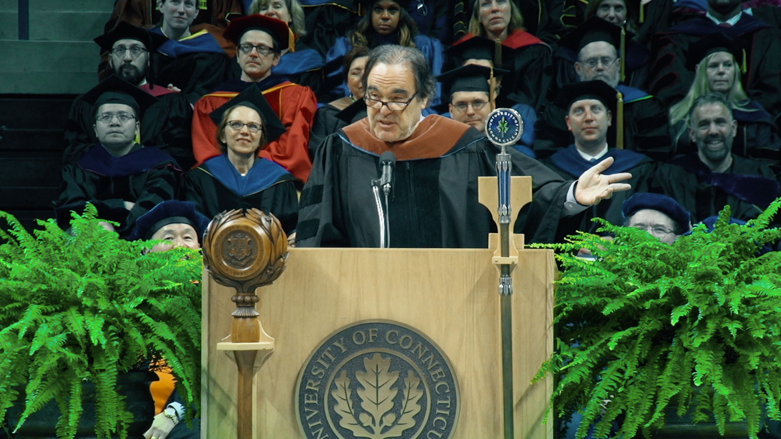 VIDEO: Oliver Stone primio počasni doktorat Sveučilišta Connecticut