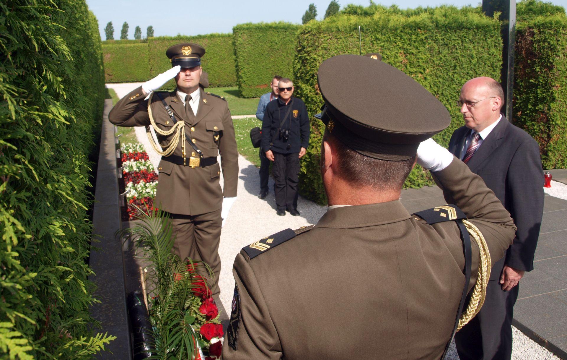 Varaždin: Otvoreno spomen obilježje poginulim i nestalim braniteljima