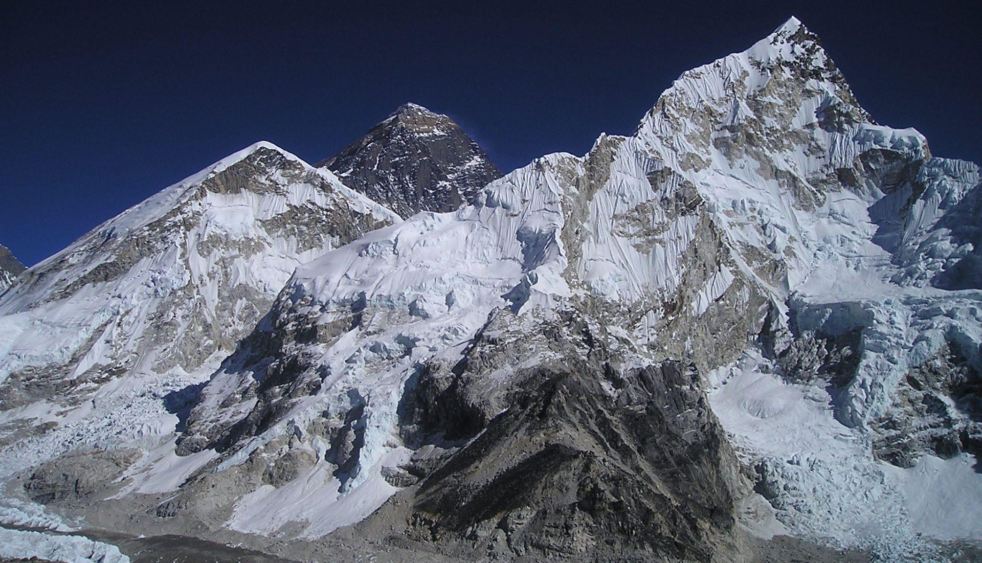 OPASNA PLANINA U tri dana troje mrtvih i dvoje nestalih na Mount Everestu