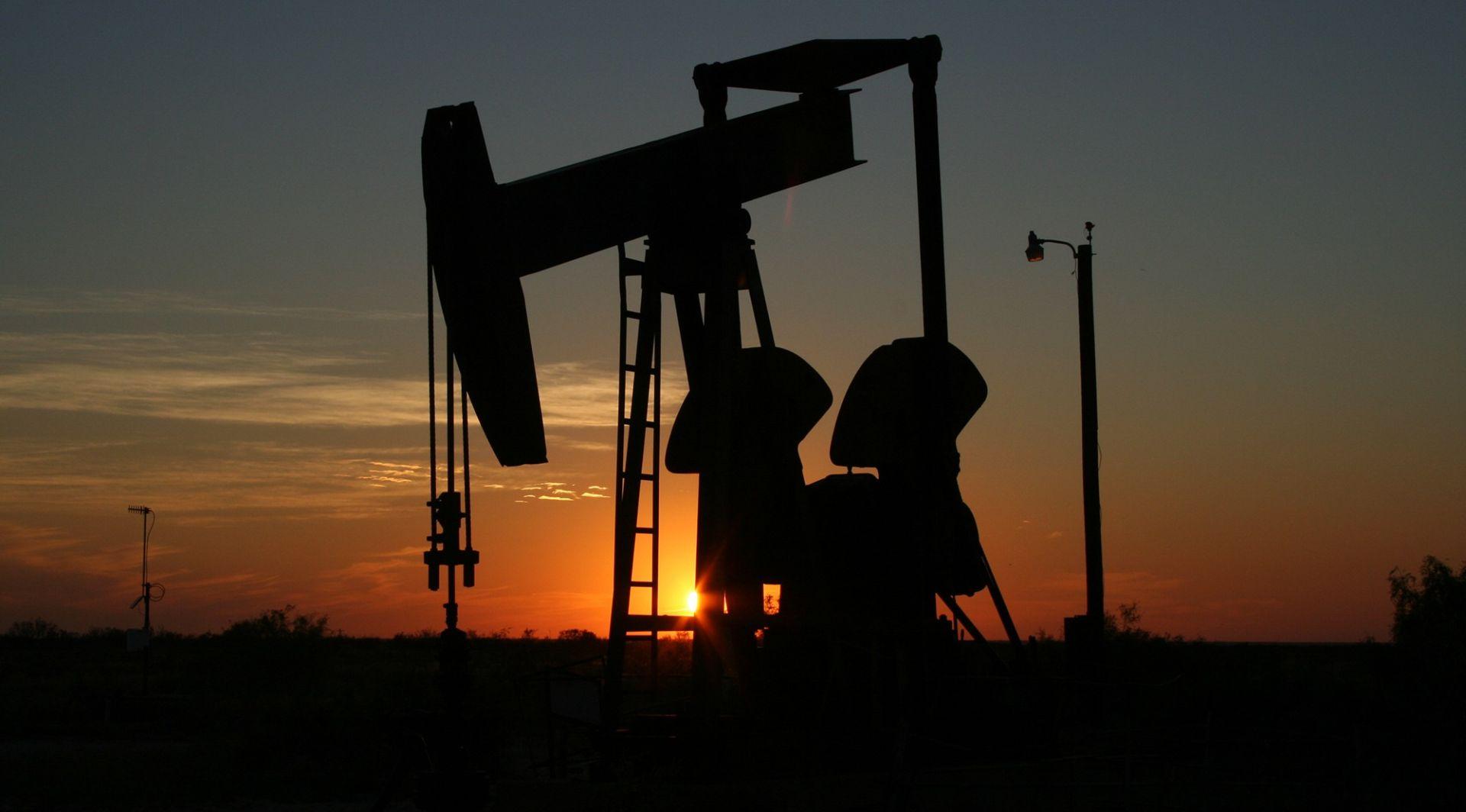 Cijene nafte stabilne iznad 65 dolara