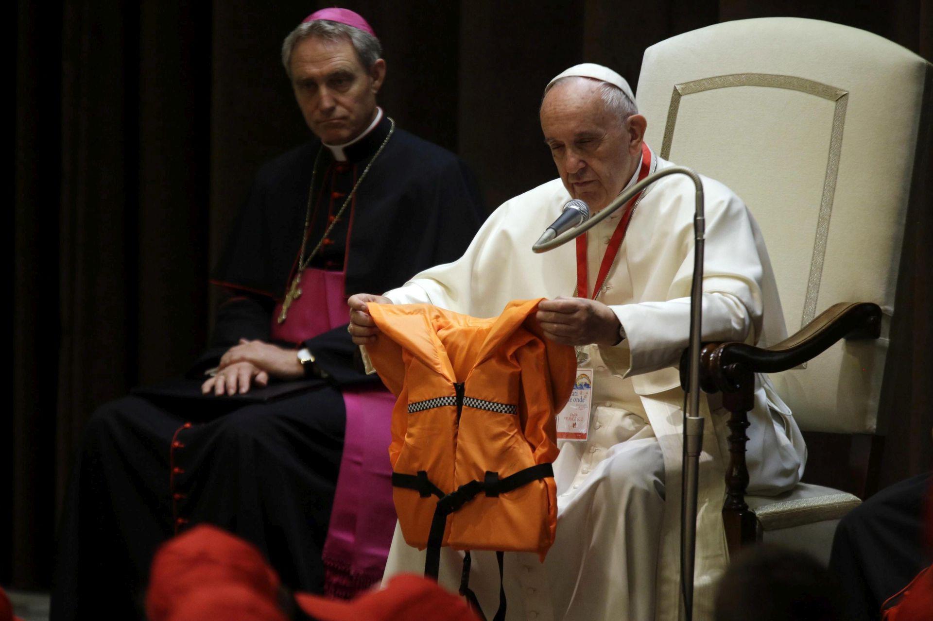 Papa Franjo: Migranti nisu opasni, oni su u opasnosti