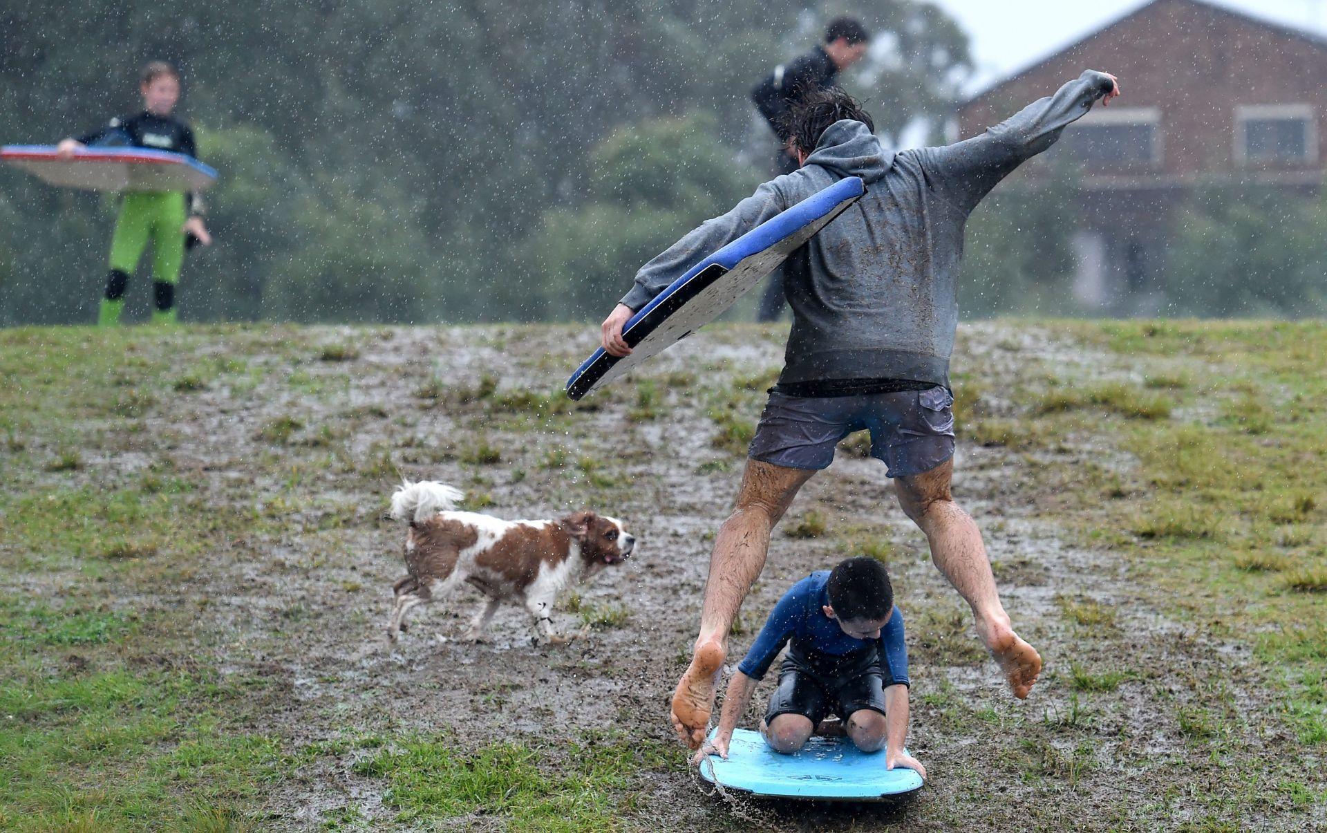 IZVANREDNA SITUACIJA: Stotine evakuirane iz Sydneya zbog teške oluje