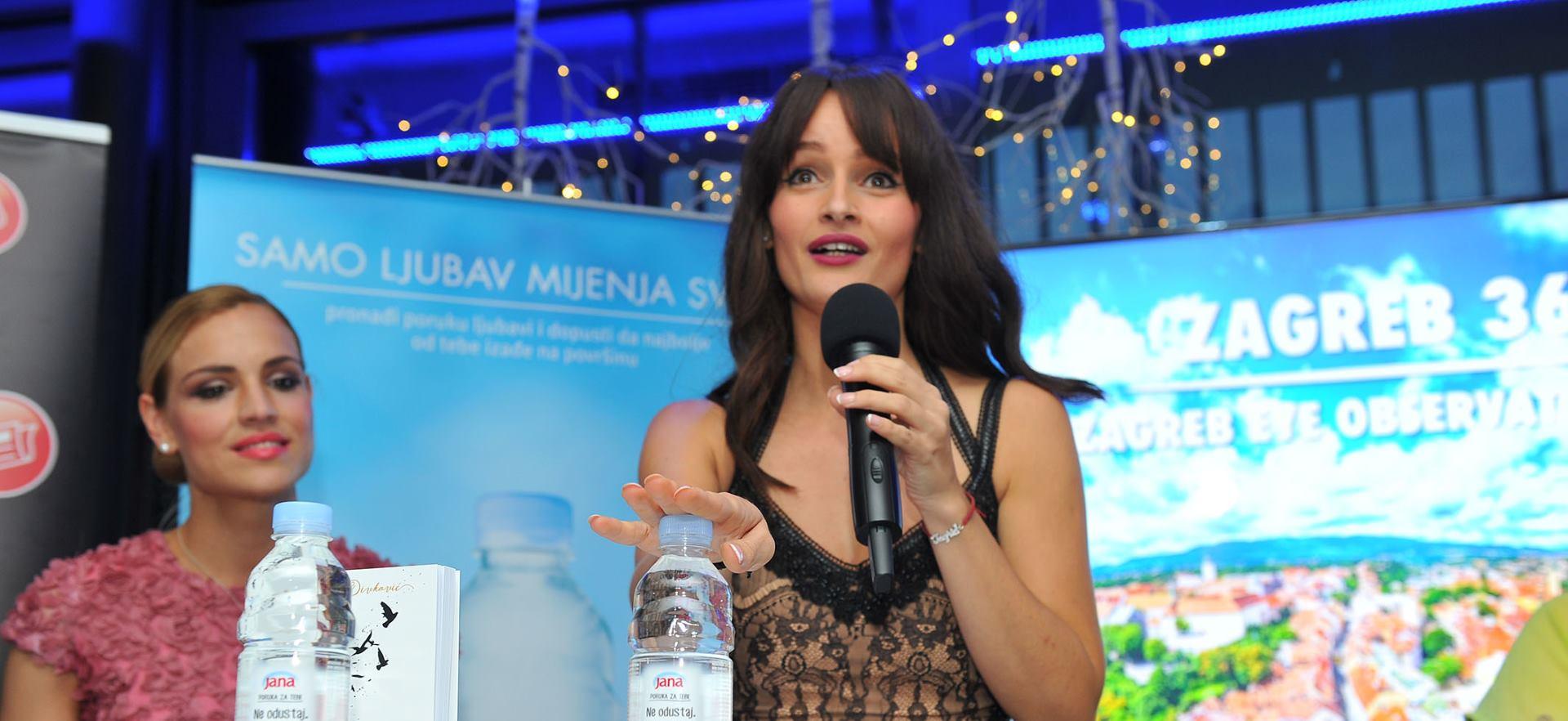 FOTO: Publicistica i književnica Ingrid Divković predstavila 'Knjigu za divlju ženu'