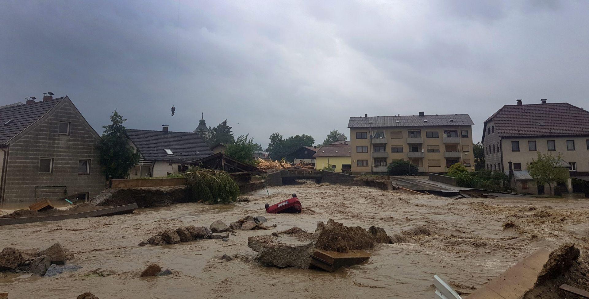 STRAŠNE POPLAVE U EUROPI Najmanje deset osoba izgubilo živote, u Francuskoj proglašeno stanje katastrofe