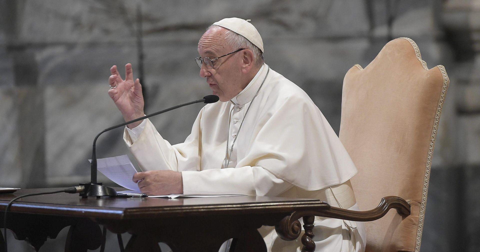 Papa pred stotinjak sudaca potpisao deklaraciju protiv trgovine ljudima