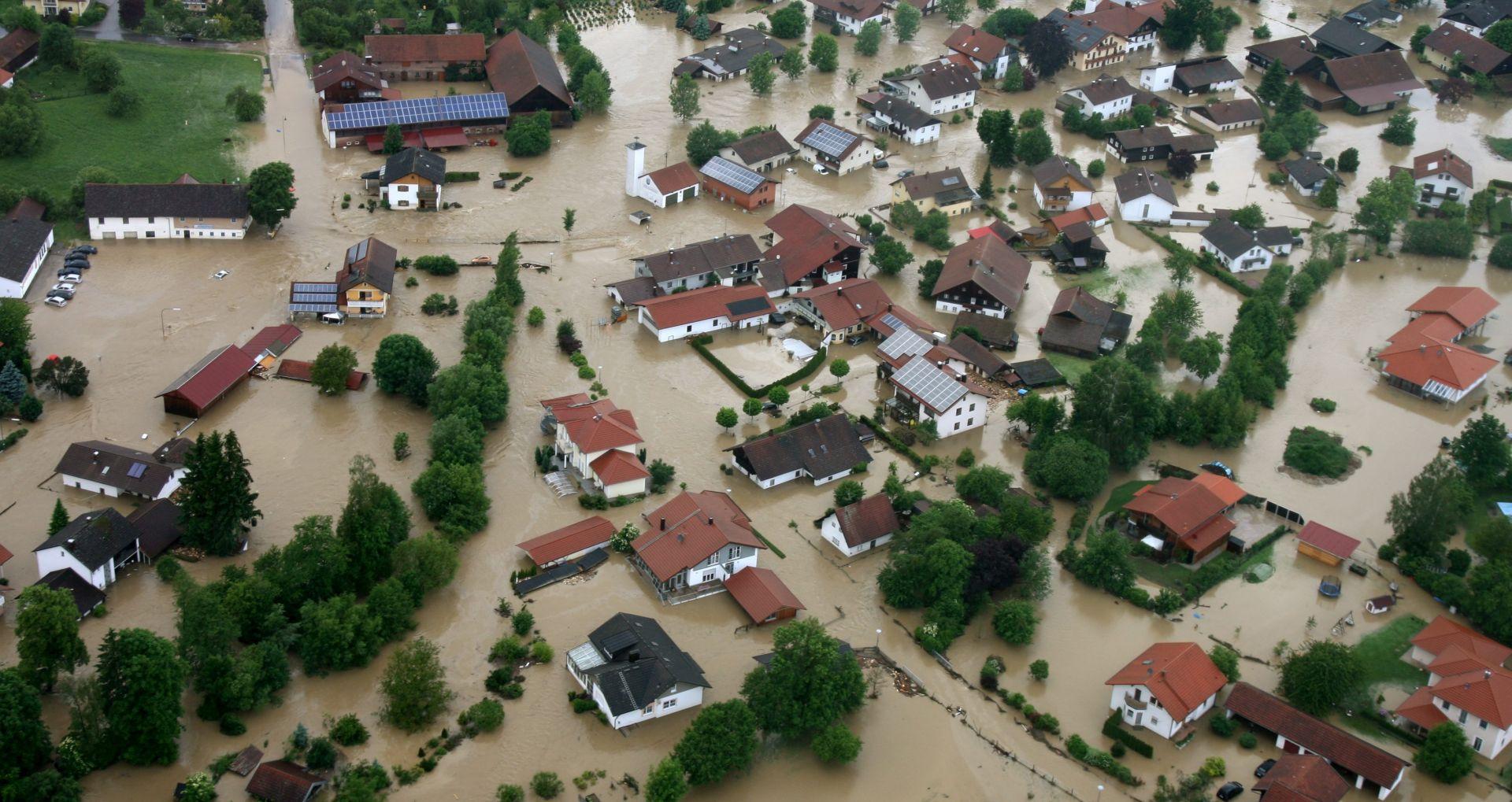 BROJ STRADALIH POPEO SE NA 15 Poplave diljem Europe, Seine bi mogla doseći 6.5 metara