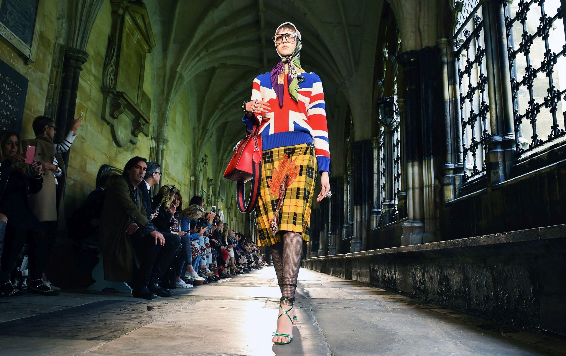 VIDEO: Guccijeva modna revija u Westminsterskoj palači