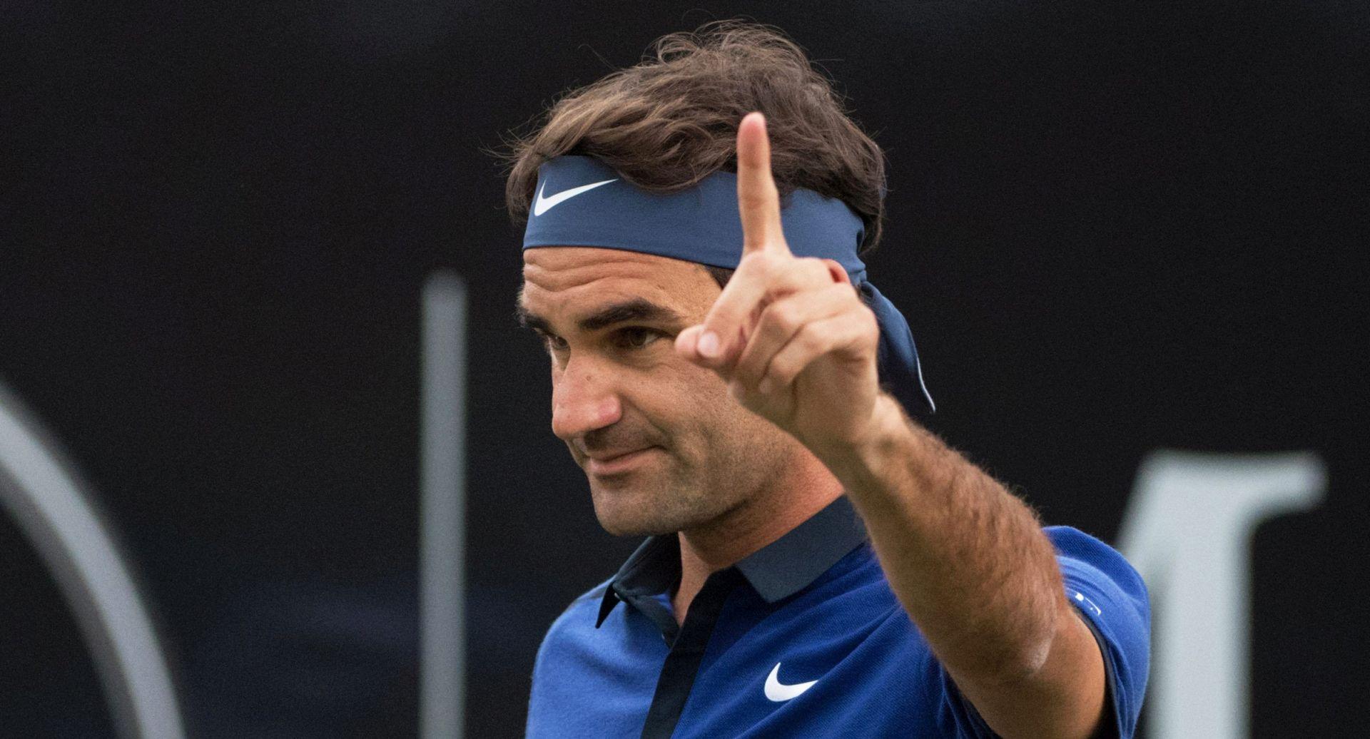 ATP STUTTGART Federer prestigao Lendla
