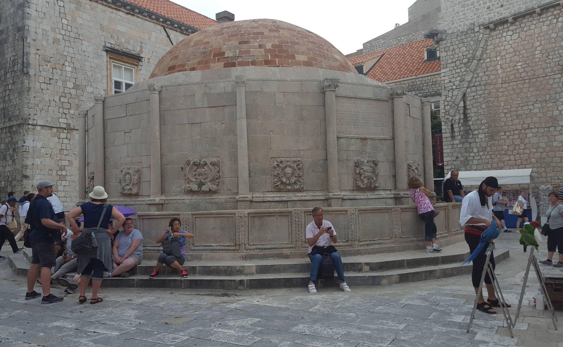 Završena milijun i pol kuna vrijedna obnova Velike Onofrijeve fontane