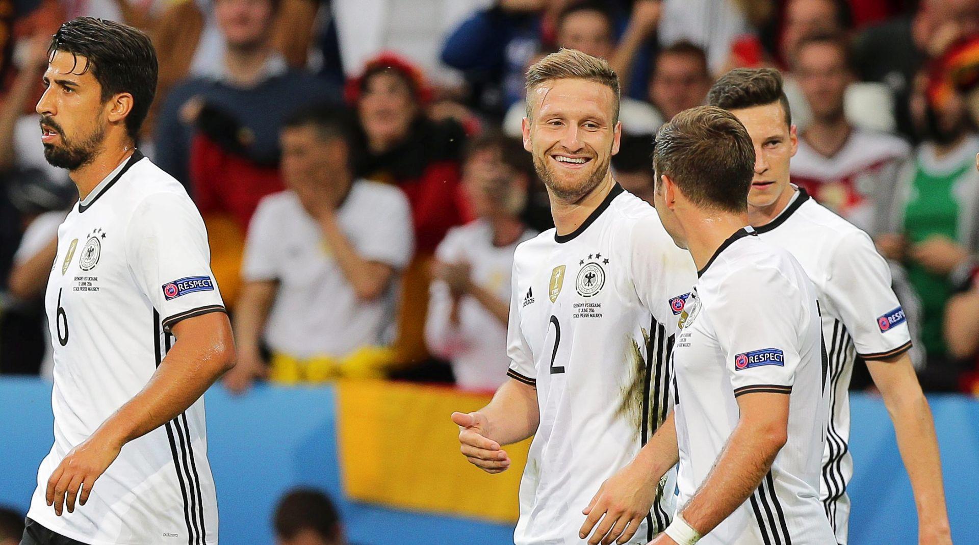 Mustafi i Schweinsteiger donijeli pobjedu Njemačkoj