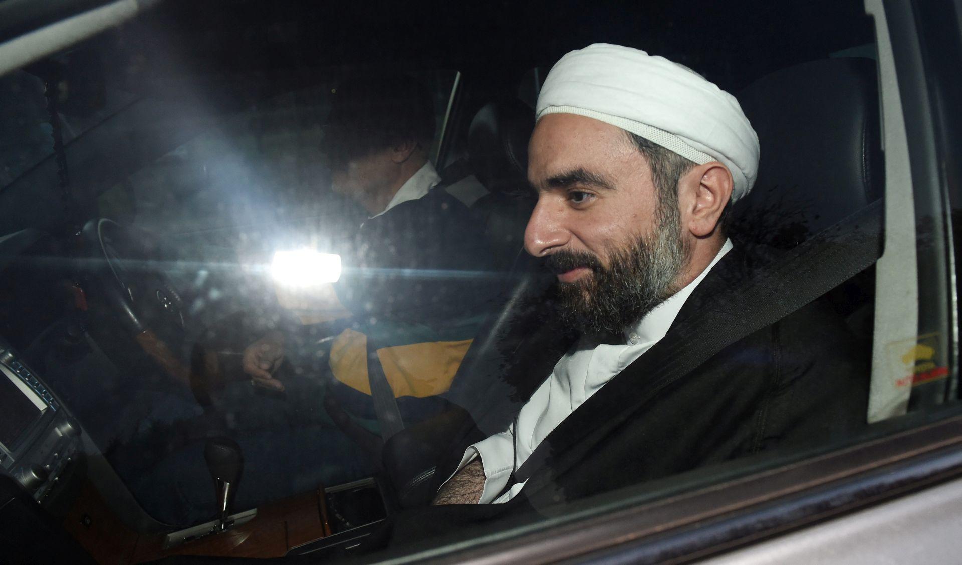 """PRIJETI MU UKIDANJE VIZE Britanski islamsitički učenjak: """"Kazna za homoseksualizam je smrt"""""""
