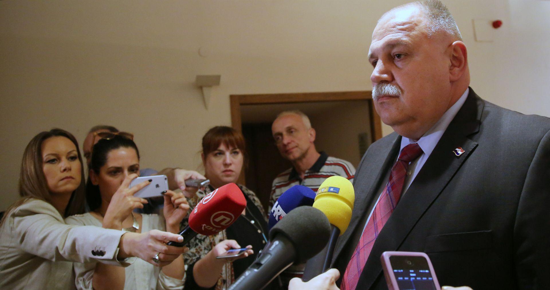 ŠUKER POTVRDIO 'U četvrtak glasovanje o Oreškovićevu opozivu'