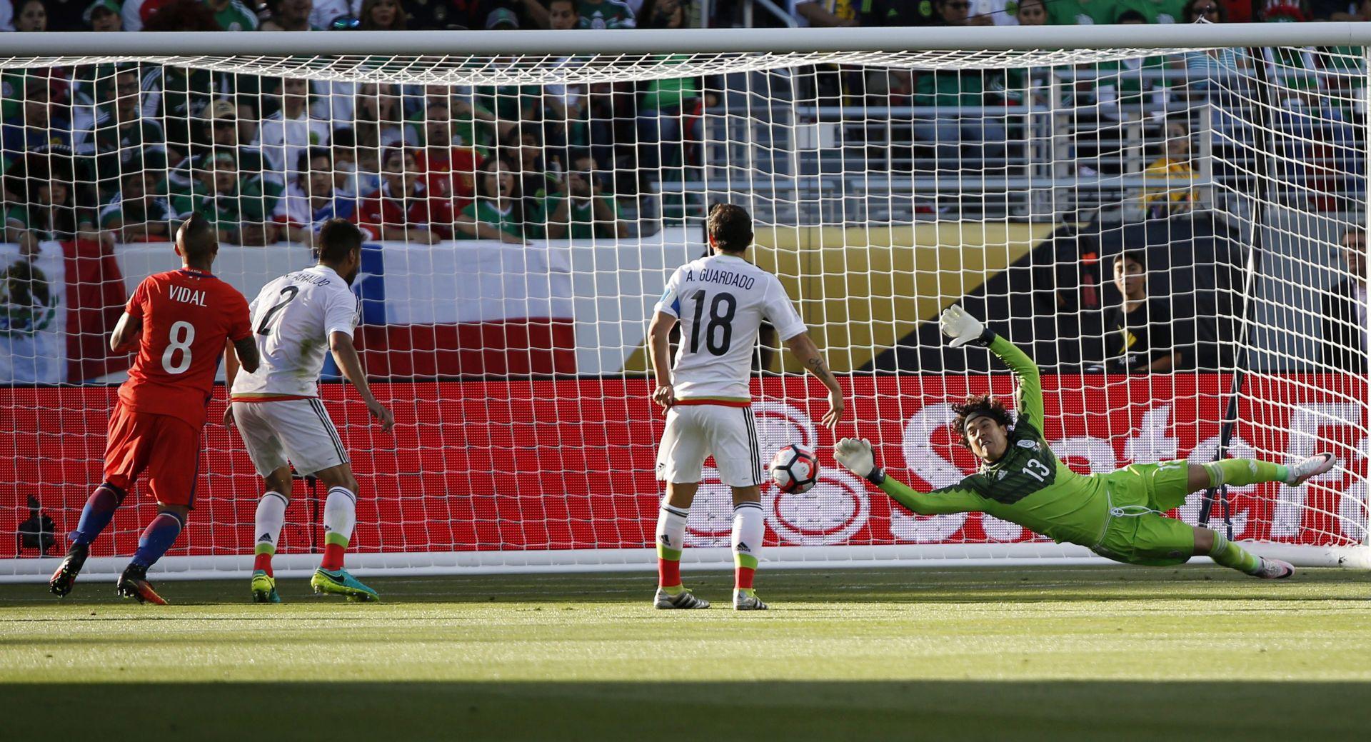 COPA AMERICA Čile i Argentina uvjerljivo do polufinala