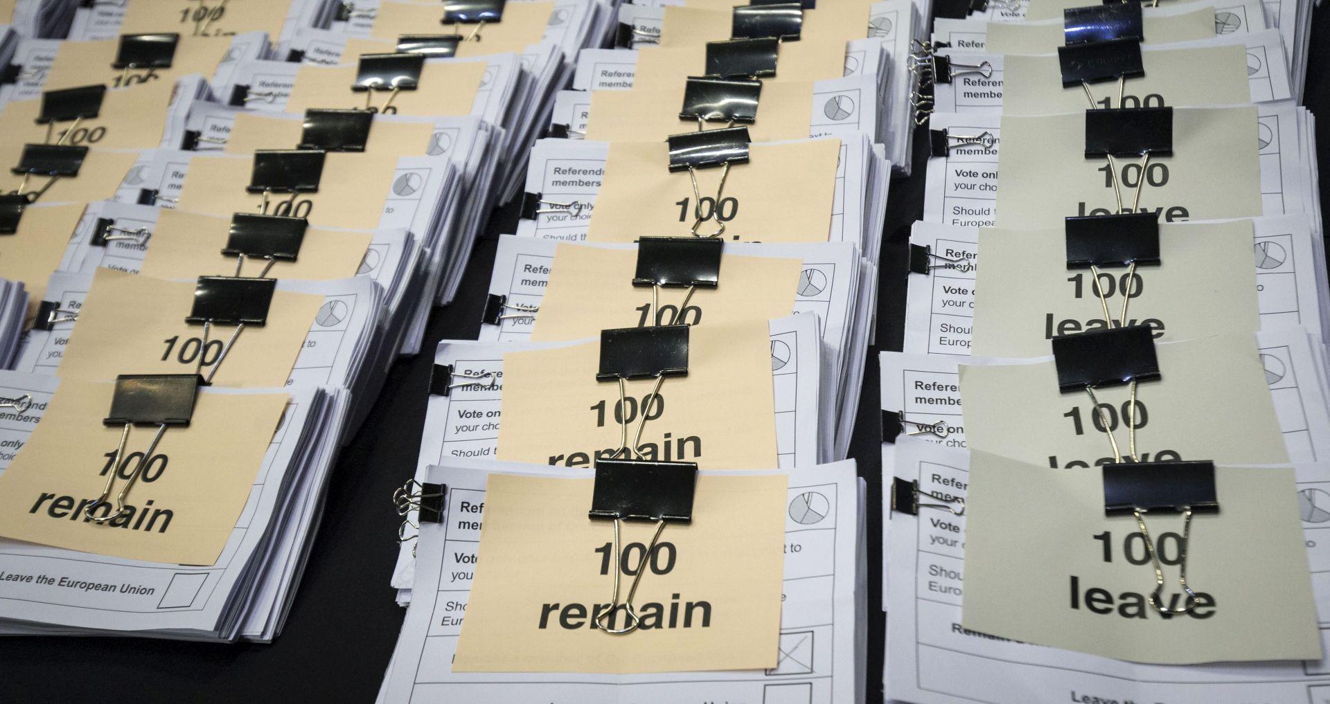 Irski čelnici odbacuju ideju referenduma ujedinjenja