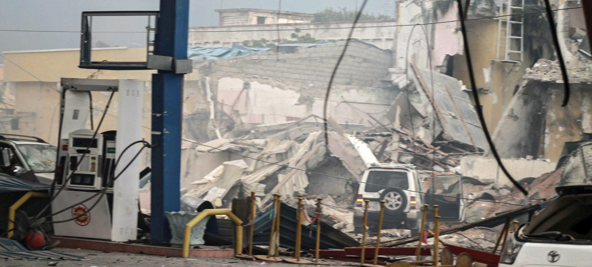 NAJMANJE ČETIRI NAPADAČA Broj poginulih u napadu na hotel u Mogadishuu porastao na 14