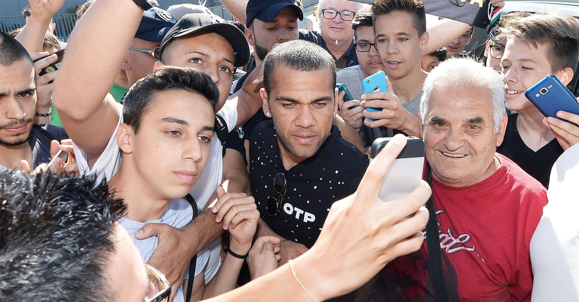 Dani Alves novi igrač PSG-a