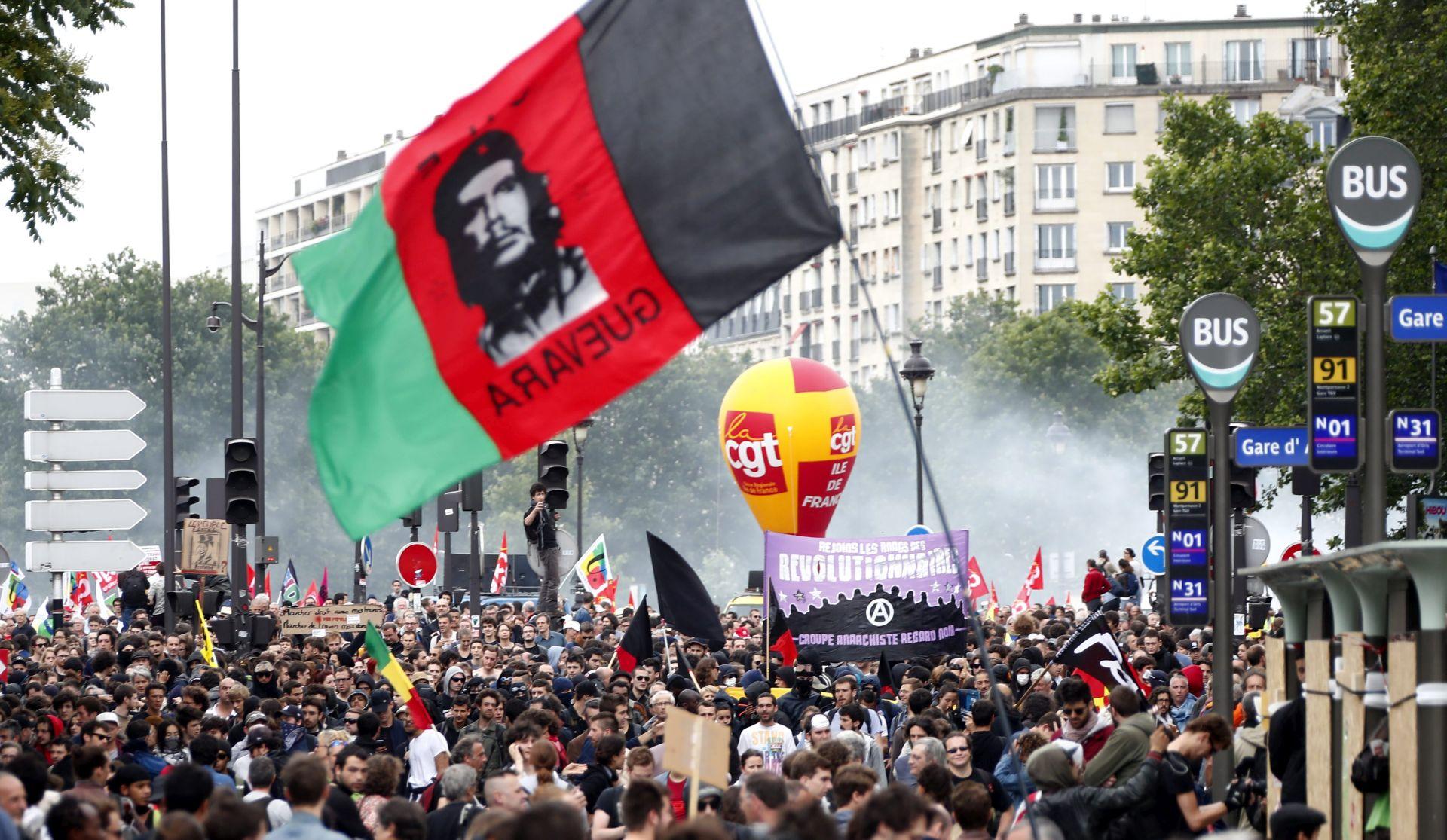 Francuzi ponovno masovno prosvjeduju zbog zakona o radu