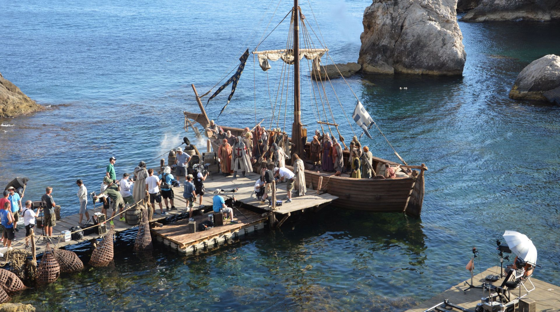 """FOTO: KAMERE 'LUDE' ZA DUBROVNIKOM Počelo snimanje povijesne serije """"Knightfall"""" o Templarima"""