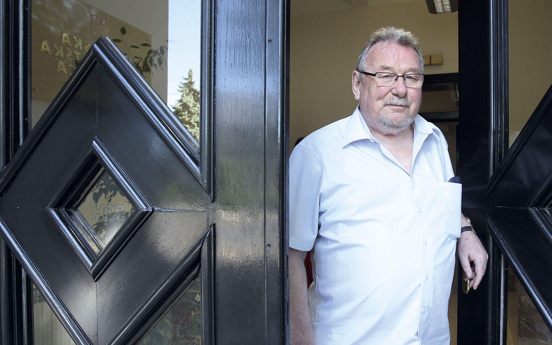 Osnivači HDZ-a optužuju Karamarka da je izdao Tuđmanovu politiku