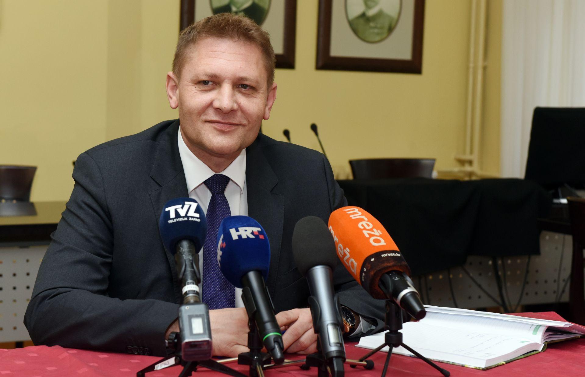 Beljak: HSS je za opoziv premijera Oreškovića i nove izbore