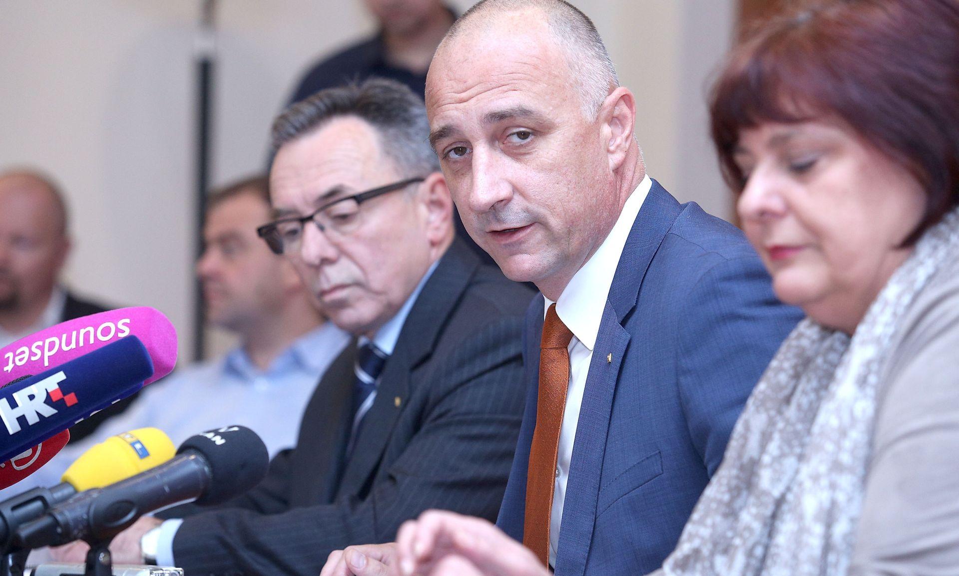 Vrdoljak: Sabor i Vladu treba raspustiti