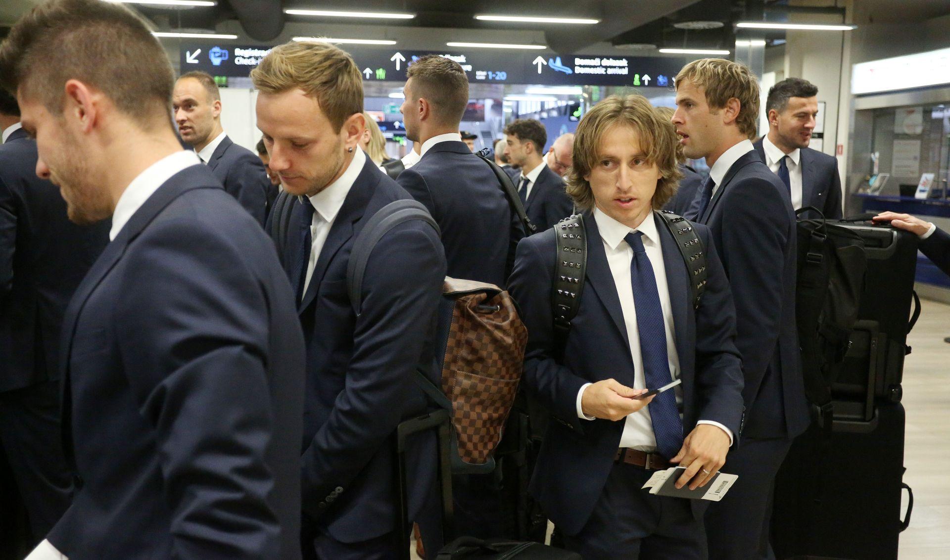 FOTO: Hrvatska nogometna reprezentacija otputovala u Francusku