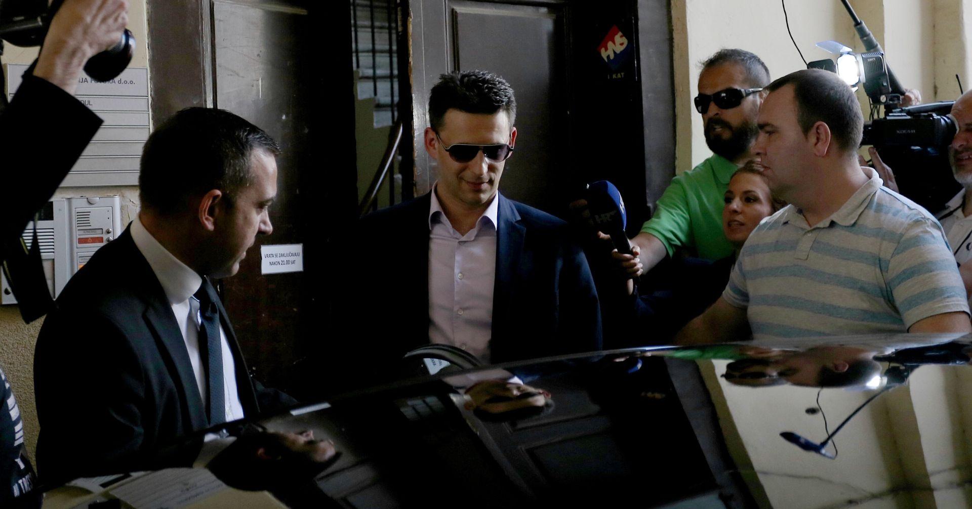 U PREMIJEROVOM STANU Petrov otišao sa sastanka s Oreškovićem bez izjava