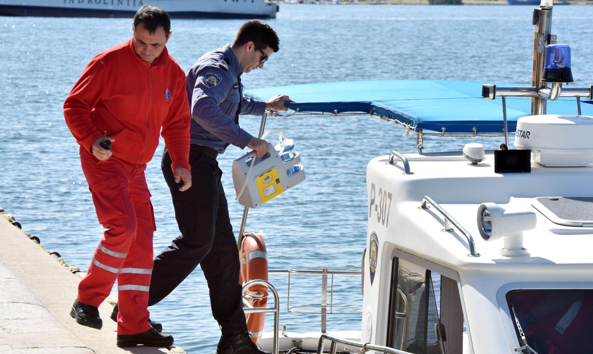 TROGIRSKI AKVATORIJ U moru pronađen mrtav muškarac