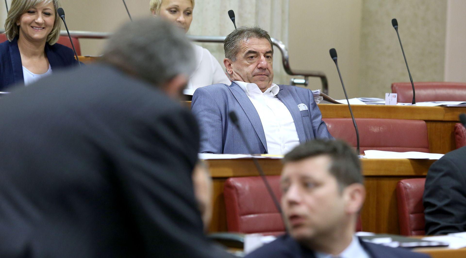 """MILINOVIĆ """"Očekujemo da Orešković podnese ostavku prije sutrašnje sjednice Sabora"""""""