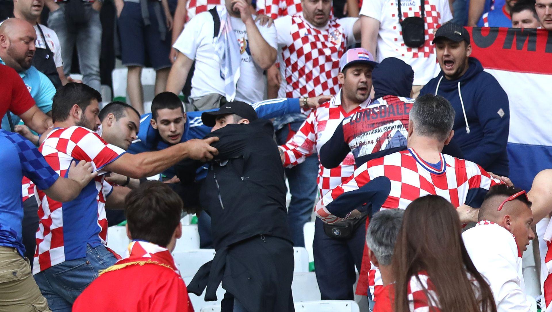 POSTUPAK I ZBOG RASISTIČKOG PONAŠANJA Odluku o kazni UEFA-e Hrvatska će saznati 20. lipnja