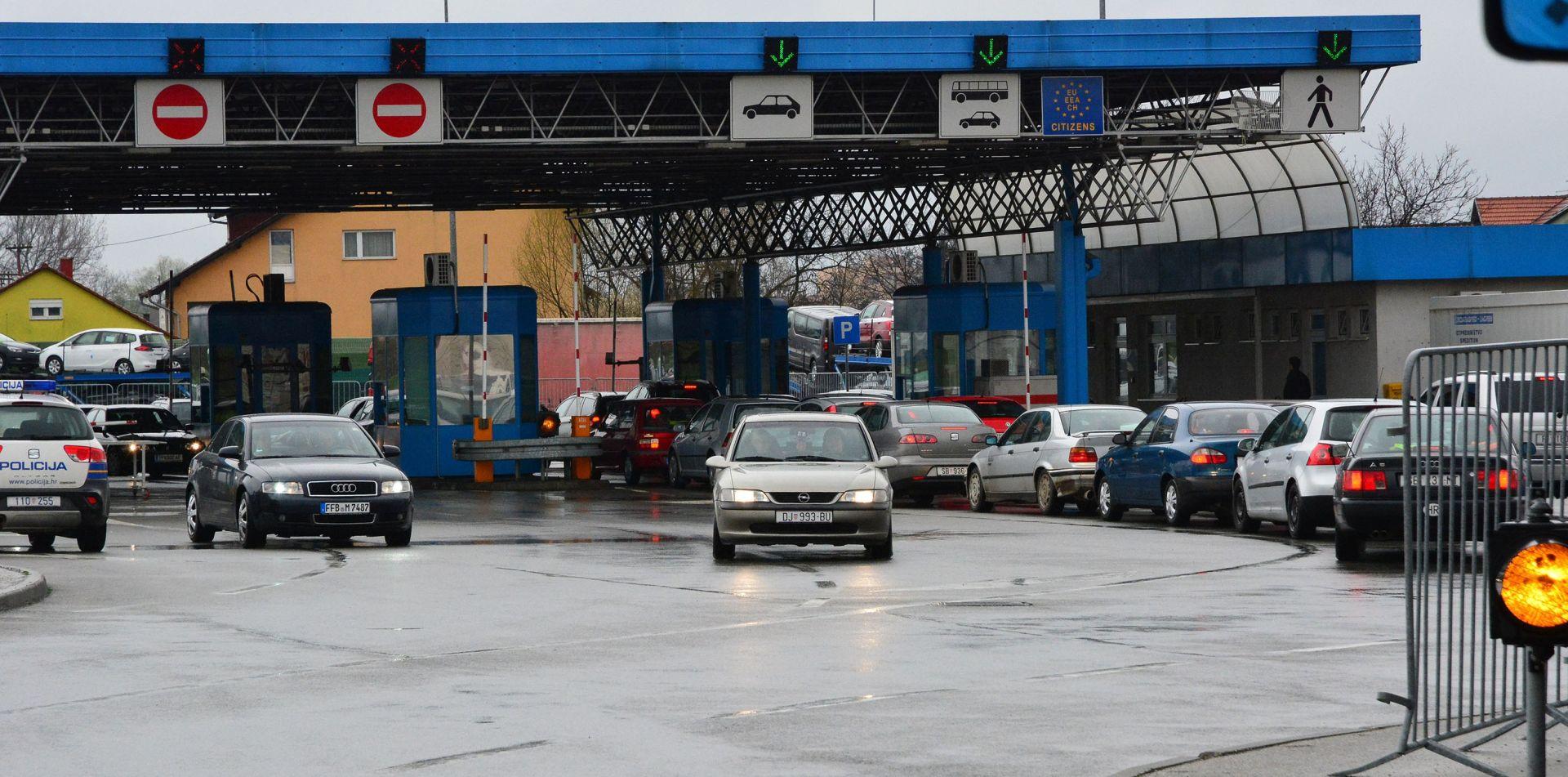 HAK Pojačan ulazak osobnih vozila na GP Metković i Vinjani Donji, usporeno na A7