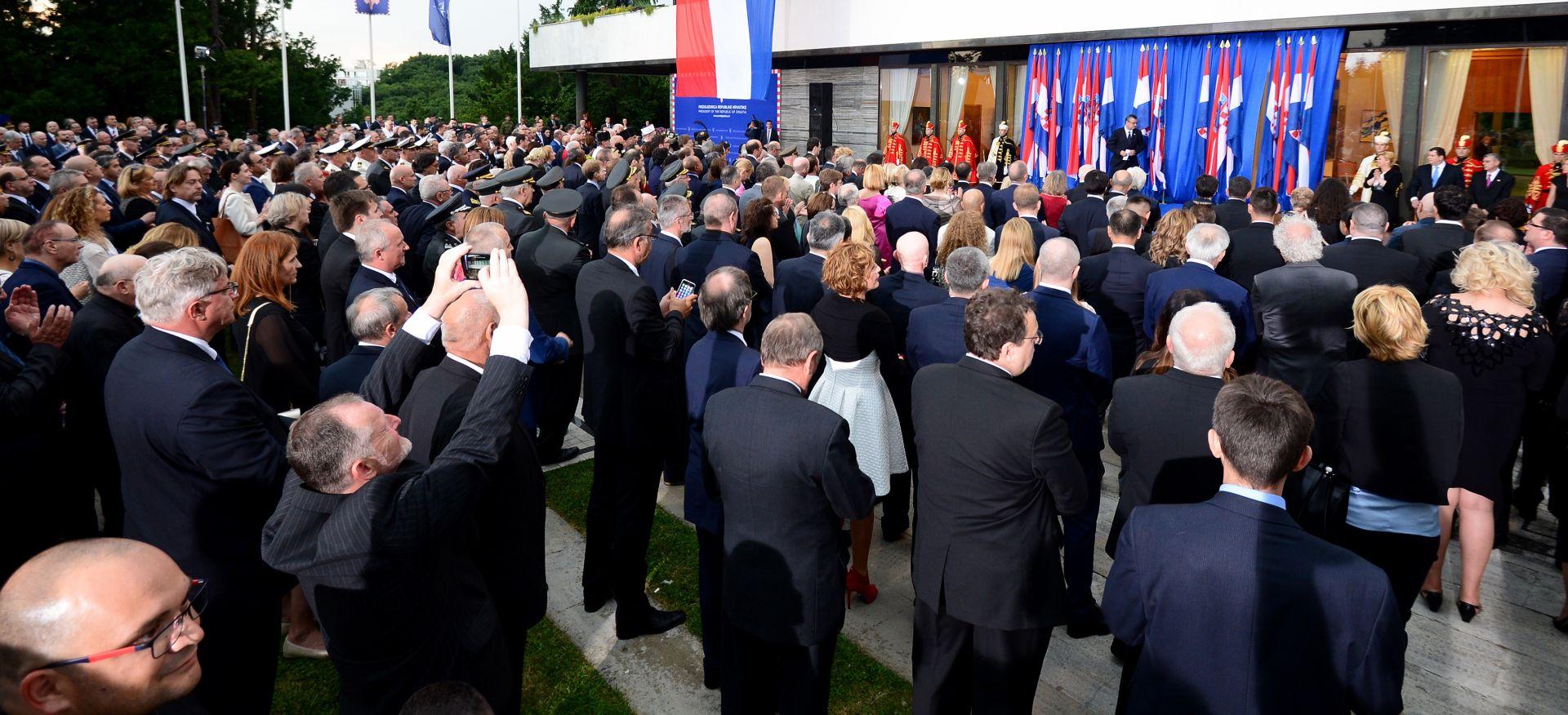 Dvije tisuće uzvanika na Pantovčaku za 25. obljetnicu hrvatske državnosti