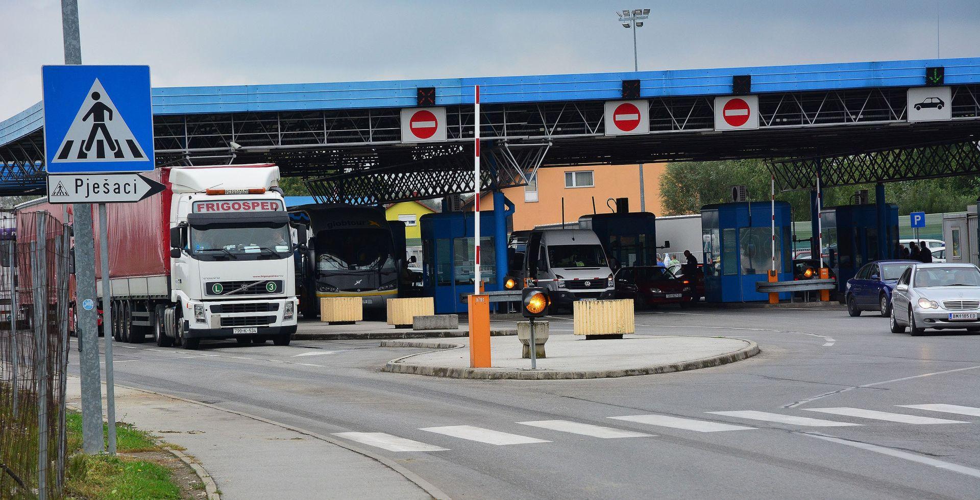 HAK Mokri i skliski kolnici, pojačan izlazak teretnih vozila na GP Županja i Bajakovo