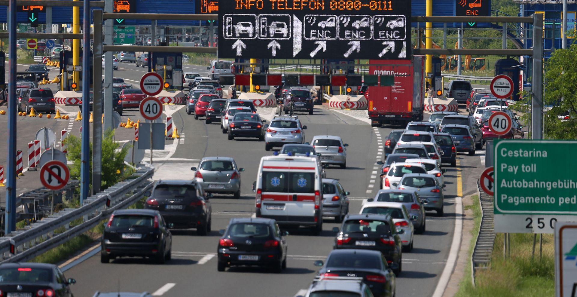 HAK Jaka bura otežava promet, povremeno pojačan promet u smjeru unutrašnjosti, gužve na granicama