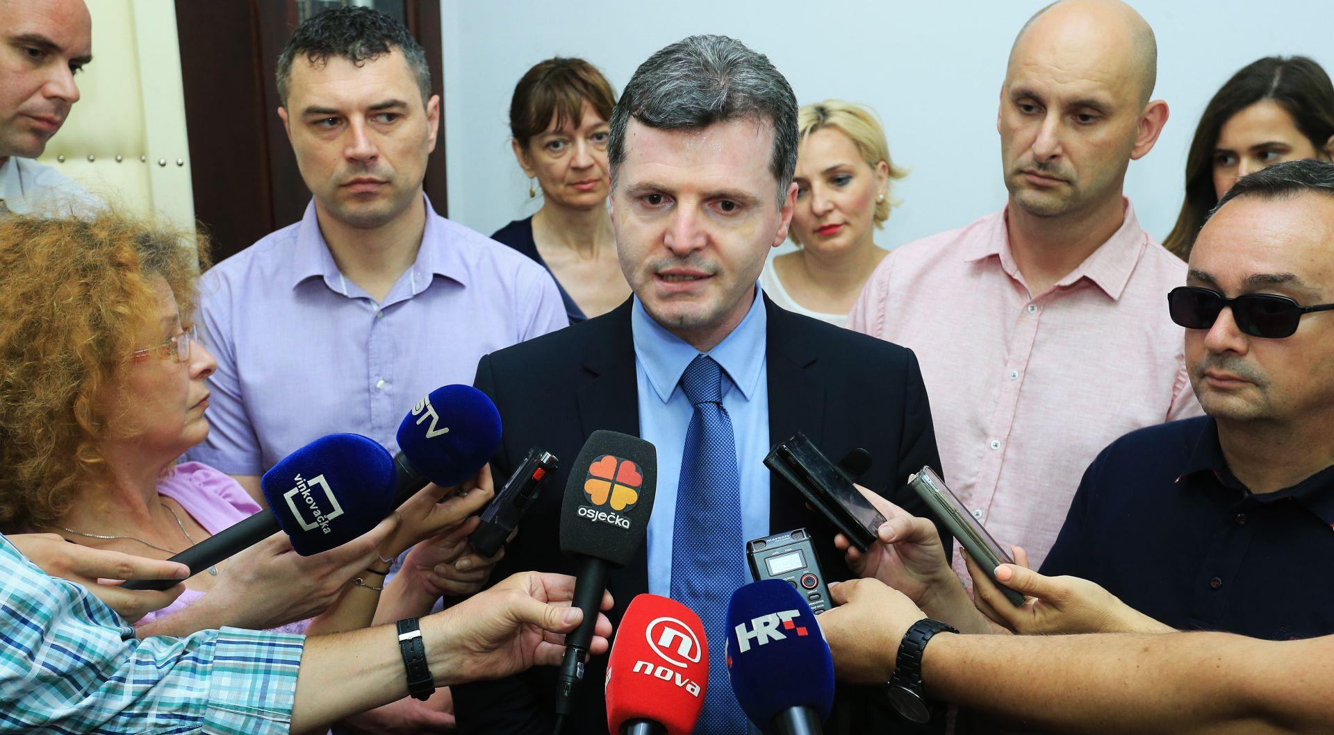 Ministri Nakić i Tolušić u osječkom KBC-u: Sva šteta bit će sanirana