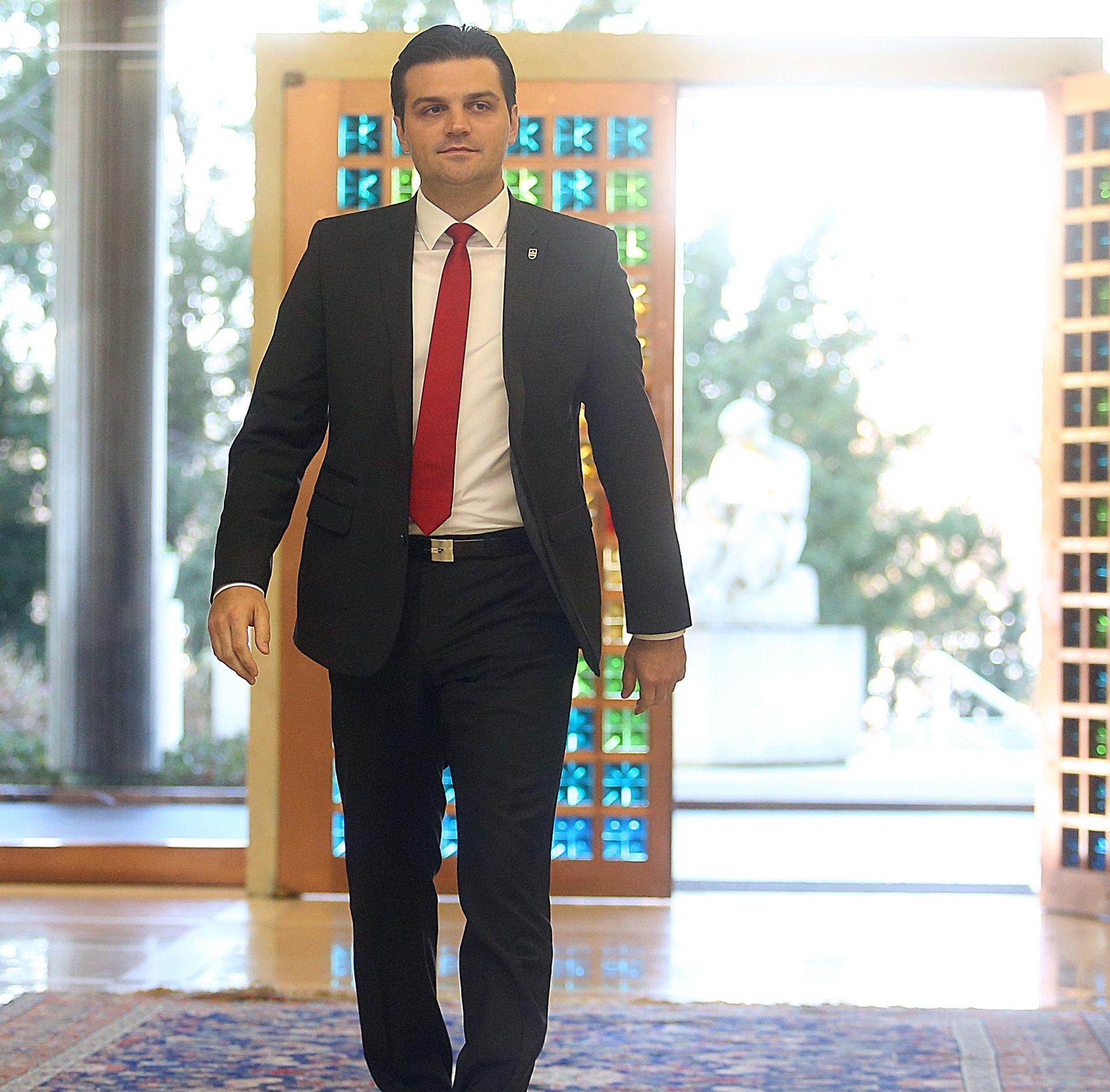 ODLUKA HDSSB-a Vulin: 'Nećemo sudjelovati u preslagivanju, suradnje s Karamarkom nema'