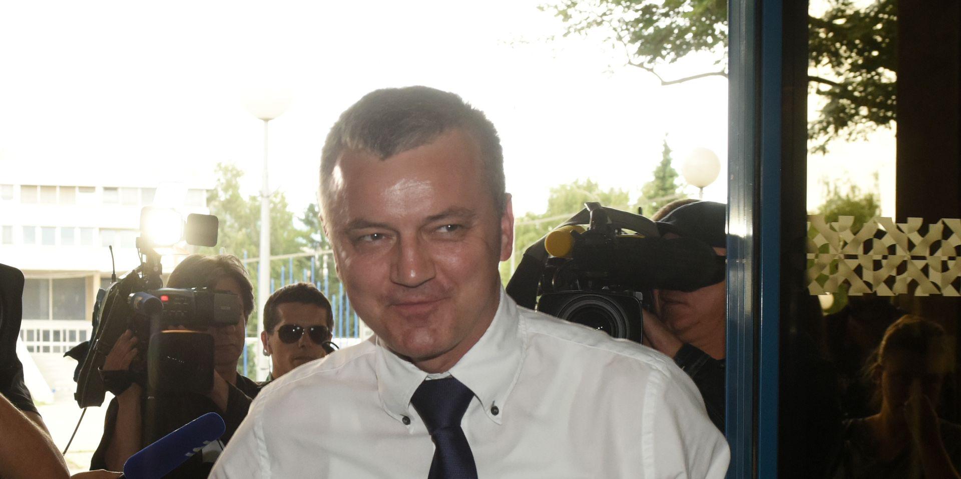 Ministar Horvat uvjeren u uspješno preslagivanja Vlade
